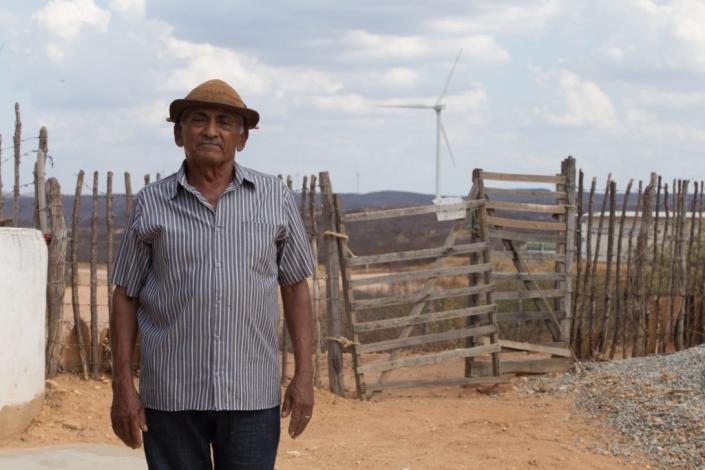 Energia eólica muda realidade de agricultor no sertão paraibano